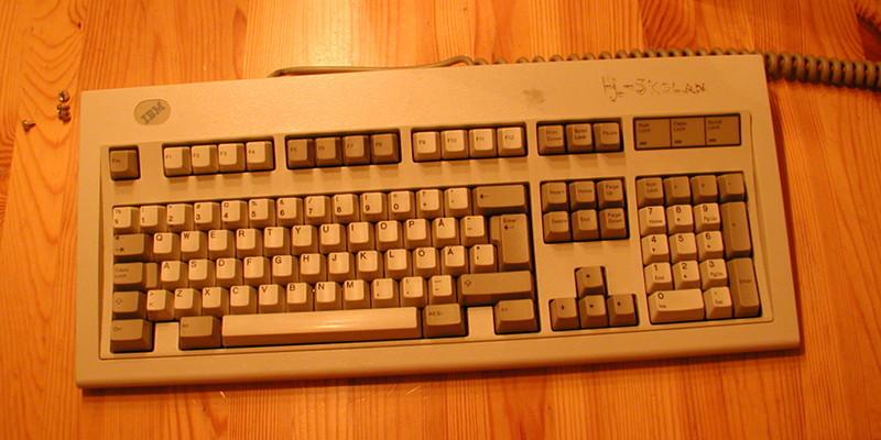 Repainting an IBM Model M keyboard